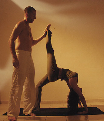 michael-and-yael-partner-yoga